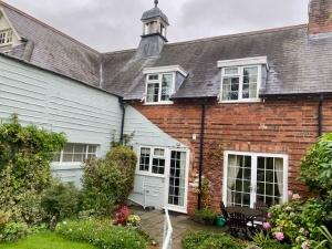 Mews Cottages, Main Street, Great Oxendon, Village nr Market Harborough